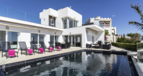 005 Villas Colores Spain - Luxury Real Estate Salobreña Spain - villa-blanca-salobrena